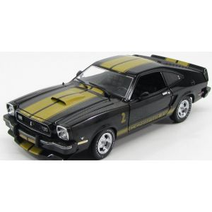 1/18 1977 FORD MUSTANG II COBRA COUPE